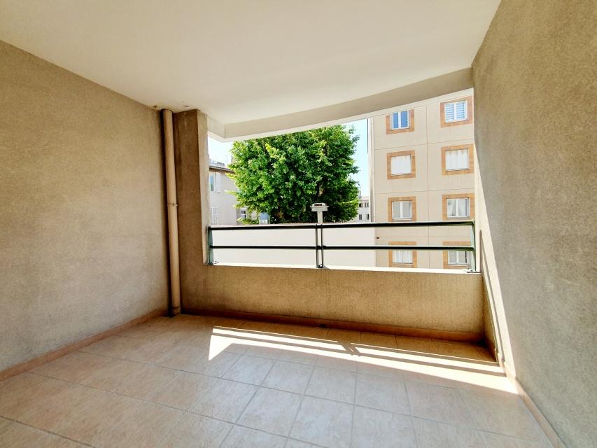 Liandier, Marseille, 13008, 2 Bedrooms Bedrooms, 3 Rooms Rooms,1 la Salle de bainBathrooms,Appartement,A vendre,Liandier,1,1000